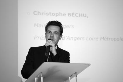 C.Béchu